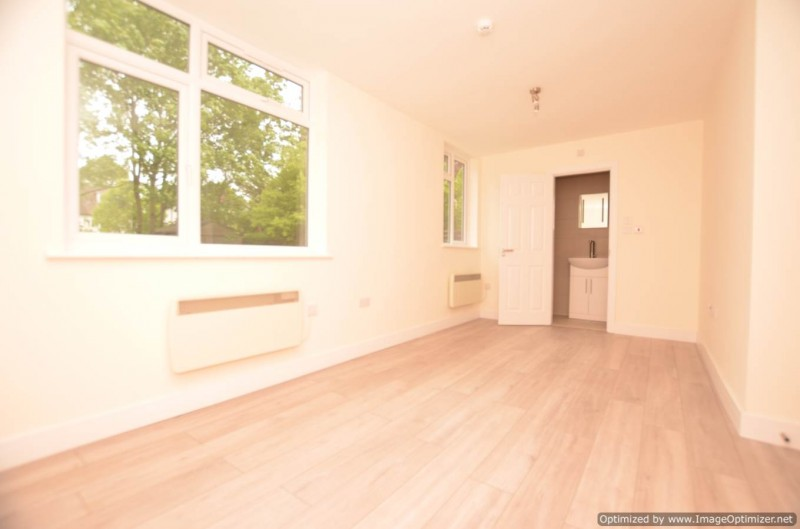room to rent / en-suite, shared kitchen - Glendale Gardens, Wembley, HA9 8PS